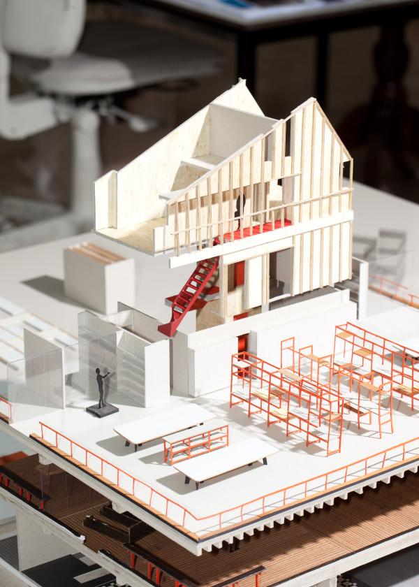 Opengewerkte maquette van Spring House.