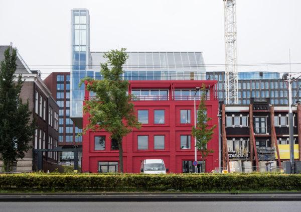 Ons hoofdkwartier aan de De Ruyterkade 128 in Amsterdam