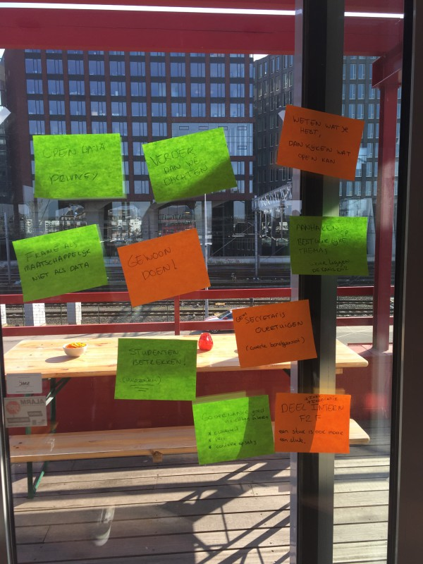 Post-its met vragen en lessen over open data