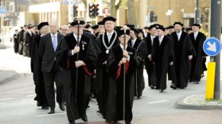 College van Bestuur en hoogleraren tijdens de Dies Natalis 2013