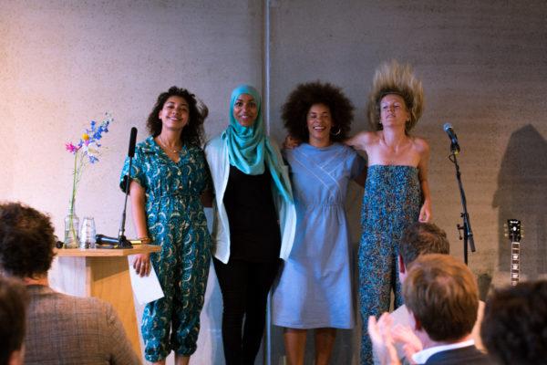 Babs Gons, Mirte Hartland, Zeinab el Bouni en Roziena Salihu