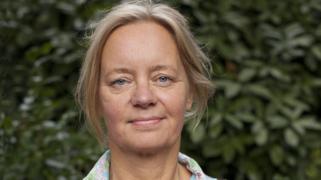 Joan Veldhuizen