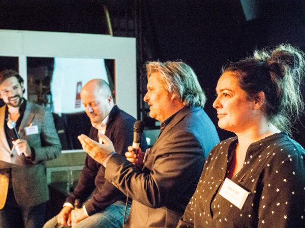 Jorrit Nuijens, Lars Boering, Ruud Koornstra en Femke Haccoû vertellen hoe te hosselen