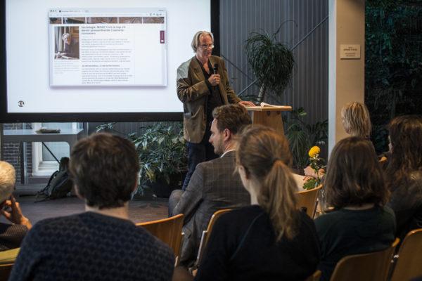 Van Heerikhuizen vertelt vanuit zijn kennis en ervaring met MOOCs.