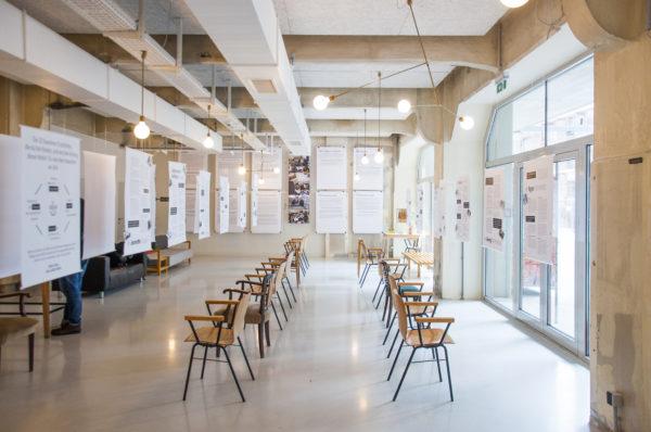 Voorbeeld van een expositie met verhalen van een social lab van KL in Wenen.