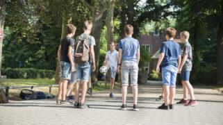 Leerlingen van het Montessori College Nijmegen tijdens de pauze.