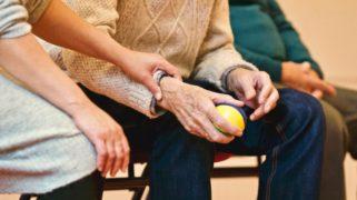 Steeds meer mensen in de zorg verruilen hun vaste dienstverband voor een flexibel contract.