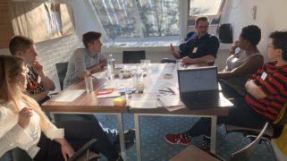 Mbo-studenten doen samen met beleidsmedewerkers en docenten onderzoek naar gelijke kansen op het mbo in het project Kansrijk MBO.